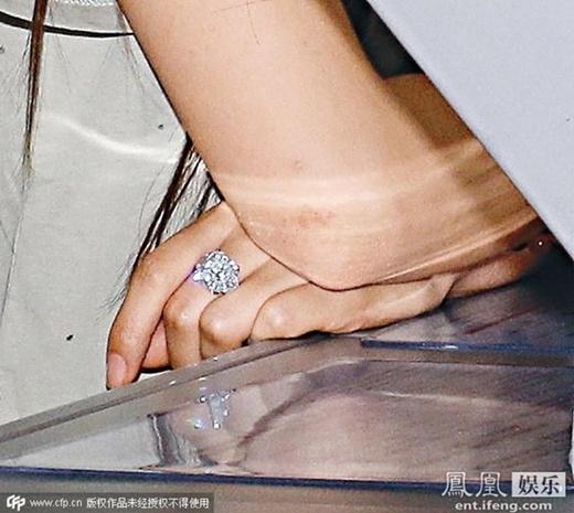 AngelaBaby nổi bật với nhẫn kim cương hàng chục tỷ