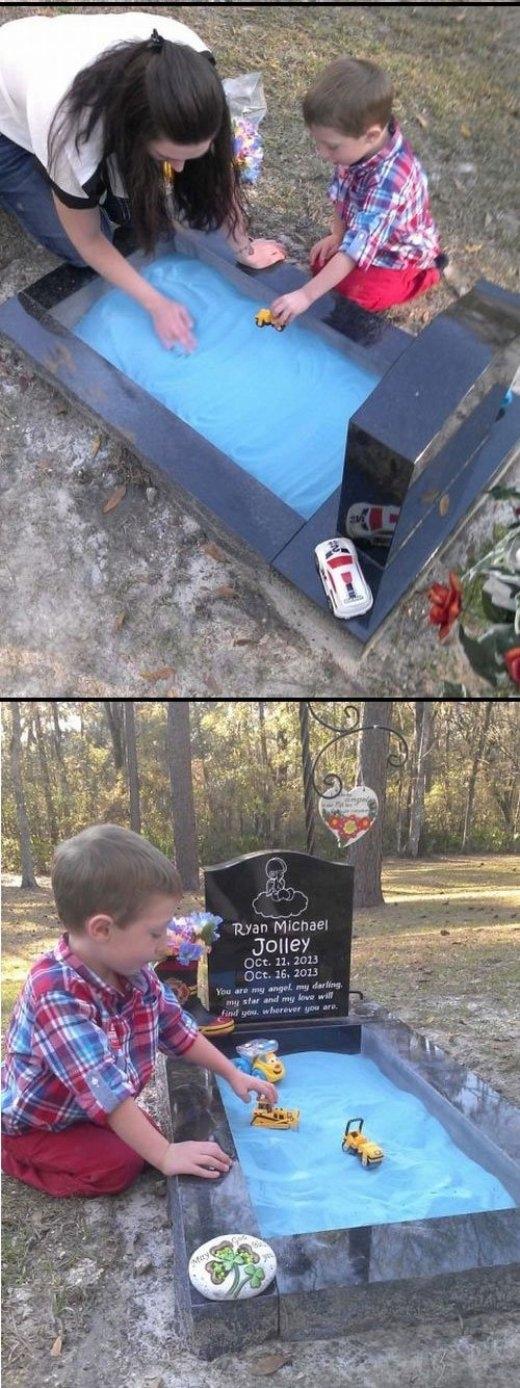 Ryan Michael Jolley đã qua đời chỉ vài ngày sau khi được sinh ra. Cha mẹ của cậu bé đã đặt một hộp cát nhỏ trên mộ cậu với mục đích để người anh trai có thể chơi với em mình khi đến thăm mộ.