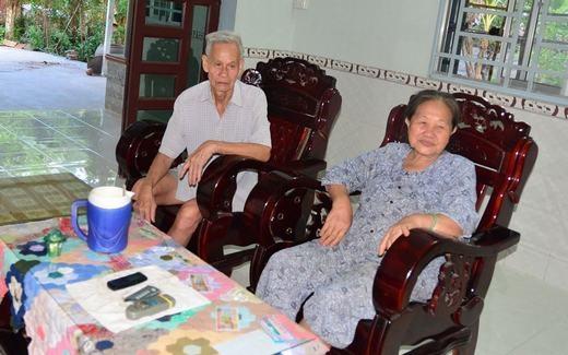 Người thầy bơi lội đầu tiên của Ánh Viên là ông nội cô. Đến năm học lớp 5, Ánh Viên được nhà trường chọn đi thi đấu tại Hội khỏe Phù Đổng cấp huyện.