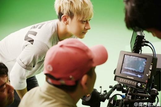 Một số hình ảnh của Tao trong hậu trường quay quảng cáo.