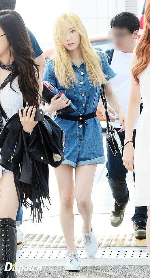 Làn da trắng của Taeyeon càng nổi bật hơn khi cô nhuộm màu tóc sáng như thế này.