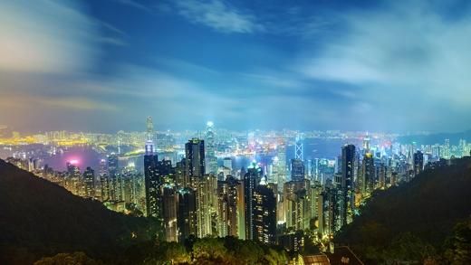 Thành phố tuyệt đẹp này nép mình giữa những ngọn núi cổ xưa.