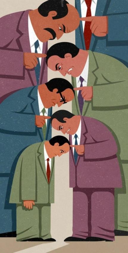 Những người ở vị trí thấp nhất luôn là người chịu nhiều lời chỉ trích nhất