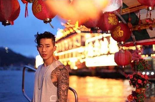 Jay Park khoe ảnh đẹp anh chụp giữa khung cảnh ở Hong Kong