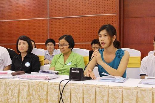 Lê Ánh Phong trong một buổi chương trình đối thoại về LGBT.