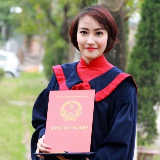 Cận cảnh nhan sắc của nàng thủ khoa Học viện Cảnh sát phá kỷ lục thăng hàm