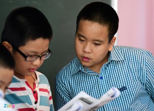 Tiến sĩ Lê Thị Chính - Hiệu trưởng THCS & THPT Newton nhận xét, khả năng sư phạm của Nhật Nam khá tốt, truyền tải kiến thức cho các em một cách dễ hiểu. Những buổi học đầu tiên đều nhận được phản hồi tốt từ phụ huynh và học sinh.