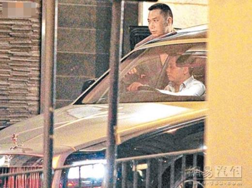 Đọ siêu xe trăm tỷ của vợ chồng Triệu Vy và Phạm Băng Băng - Lý Thần