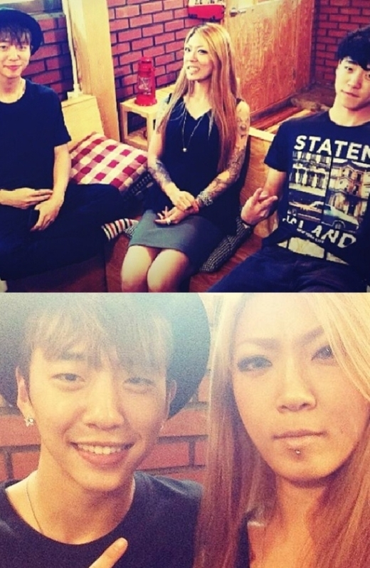 Bang Yongguk (B.A.P)mang nhiều nét giống với gương mặt của cả anh trai và chị gái. Cô chị nghệ sĩ xăm hình gây chú ý với vẻ ngoài xăm trổ cá tính.