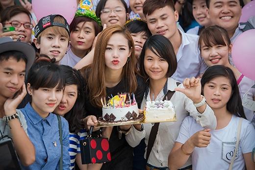 Minh Hằng suýt khóc khi được fans tổ chức sinh nhật - Tin sao Viet - Tin tuc sao Viet - Scandal sao Viet - Tin tuc cua Sao - Tin cua Sao