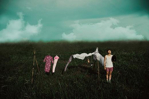 Duy Khánh Zhou Zhou lạ lẫm và ma mị trong bộ ảnh mới