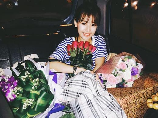 Chi Pu đã có khoảng thời gian cực kì hạnh phúc khi được cùng fans tổ chức một buổi sinh nhật nho nhỏ. Tại đây, mọi người đã có một buổi giao lưu rất thân mật và cởi mở, cô nàng Chi Pu cũng đã được nhận rất nhiều quà từ fans của mình. Ngoài ra cô nàng còn chia sẻ rằng, nhất định lần sau cô sẽ lại tiếp tục hát cho mọi người nghe mặc dù bản thân rất sợ hát.
