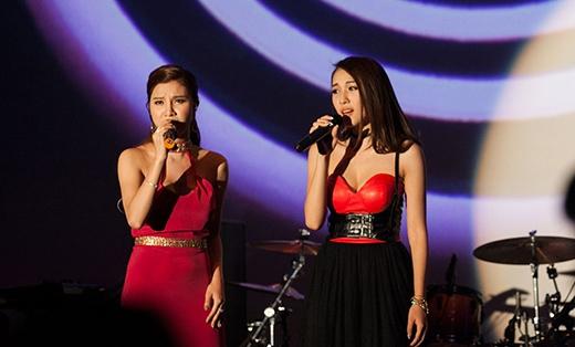 Hạnh Sino và Emily đầy quyến rũ trên sân khấu... - Tin sao Viet - Tin tuc sao Viet - Scandal sao Viet - Tin tuc cua Sao - Tin cua Sao