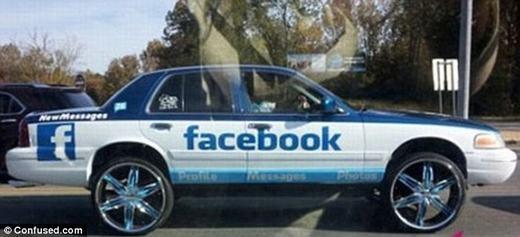 Đây là fan hâm mộ mạng xã hội Facebook chăng? Nhưng dù thế nào thì Facebook cũng nên vui mừng vì họ được quảng cáo miễn phí.