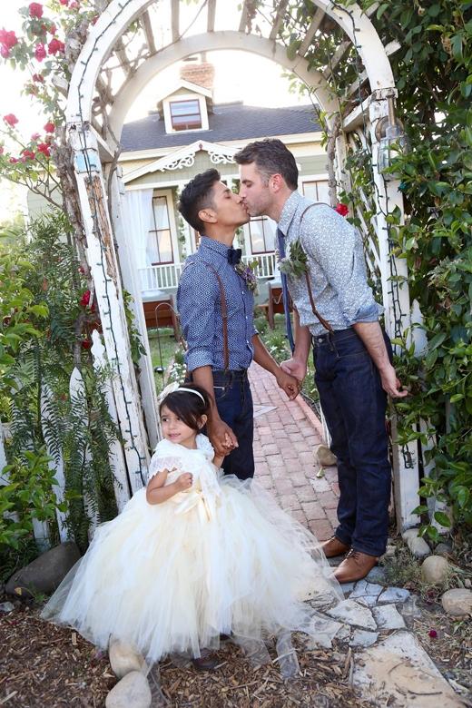 Matthew và Kiel cùng con gái Emmy xinh xắn.