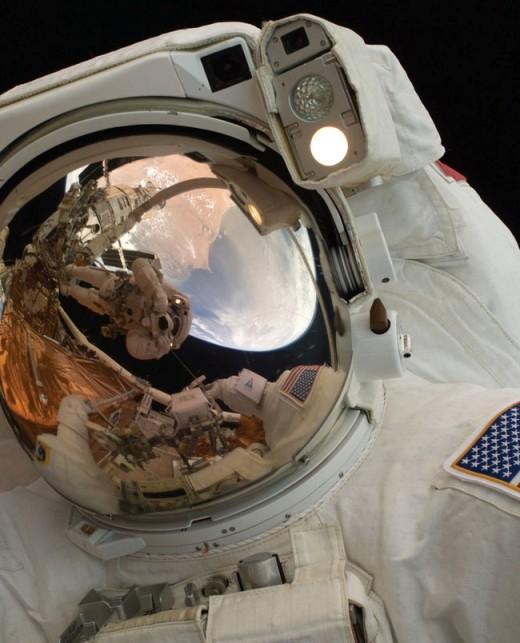 Ra ngoài không gian, cơ thể con người có khả năng tồn tại trong 90 giây.