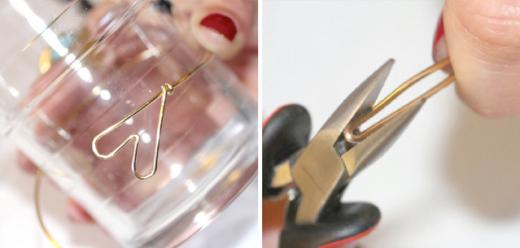 Tiếp đó, hãy uốn cong dây kẽm của bạn quanh thành một chiếc cốc. Lưu ý rằng kích cỡ đó sẽ vừa vòng tay của bạn rồi chừa thêm một đoạn nữa mới cắt nhé. Với đầu kia của dây kẽm, bạn hãy bẻ cong nó như hình bên phải.