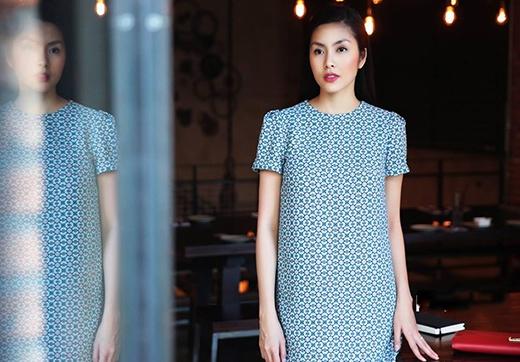 Tăng Thanh Hà ngày càng chuộng váy dáng rộng sau sinh