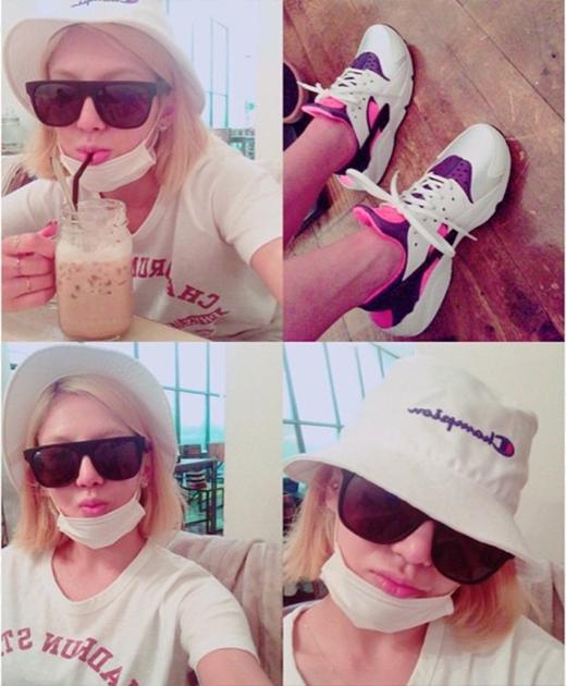 Hyoyeon tận hưởng ngày đi mua sắm tại Nhật Bản.