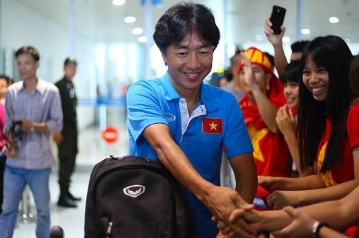 6 lý do HLV Miura chinh phục trái tim người hâm mộ Việt Nam
