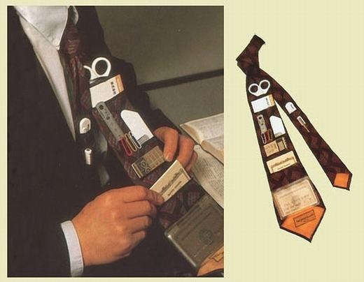 Cà vạt kiêm dụng cụ để kéo, thước, thẻ thanh toán… Công cụ này tuyệt vời để thay thế cho chiếc ví của bạn.