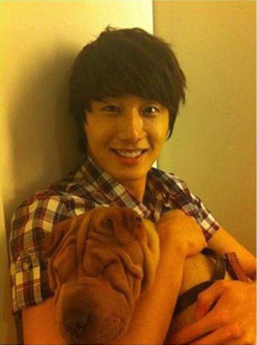 Jung Il Woo và người bạn thân thiết của anh.