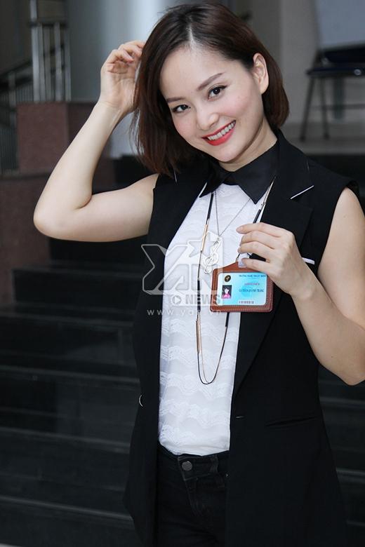 Lan Phương vào vai cô giáo Trang (trong bản Hàn là nhân vật Shi Kyung Jin).