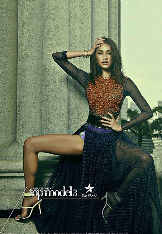 Monika cao 1m77 và sở hữu vẻ đẹp hài hòa giữa tính thương mại và yếu tố thời trang cao cấp.