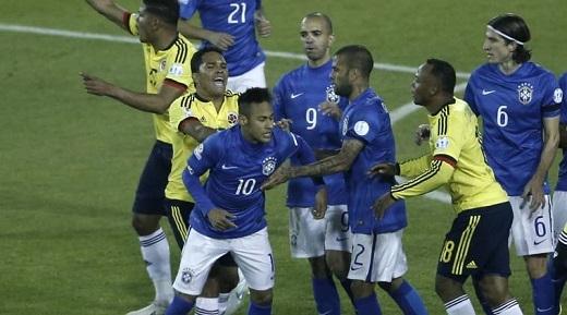 Nóng: Ẩu đả sau trận, Neymar ăn thẻ đỏ, Brazil thảm bại