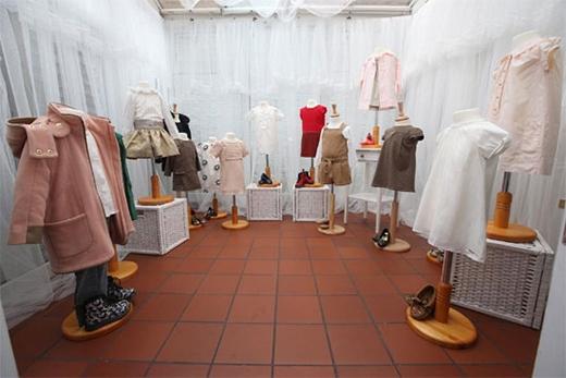 Trong số 25 bộ trang phục này, có những mẫu Harper vẫn chưa từng diện qua hay chỉ mặc một lần.
