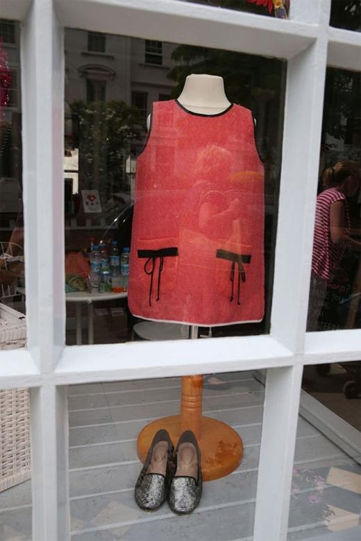 Bộ váy hồng cực dễ thương của Harper.