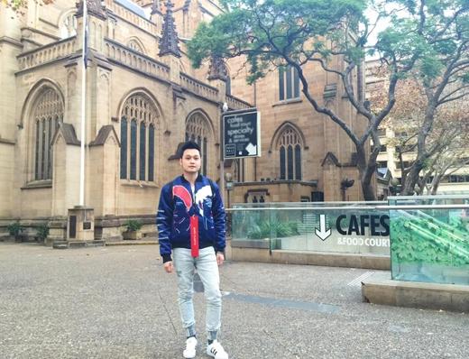 Quang Vinh đang có khoảng thời gian cực kì vui vẻ và thoải mái tại Úc. Sau khi đột ngột ngừng các hoạt động nghệ thuật, giờ đây Quang Vinhchỉ tập trung vào công việc kinh doanh và tận hưởng những chuyến du lịch.