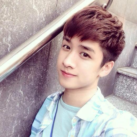 Liêu xiêu trước vẻ đẹp như bạch mã hoàng tử của các chàng hot boy Việt