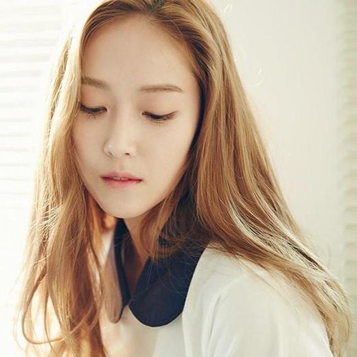 Jessica khoe hình đẹp dịu dàng và chia sẻ: Lắng nghe sự im lặng.