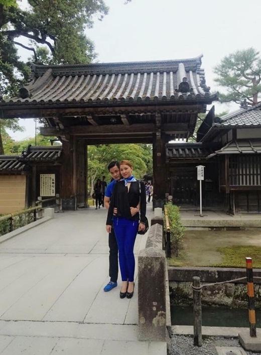 Cả hai vừa kết thúc chuyến đi du lịch tràn ngập hạnh phúc bên cạnh nhau