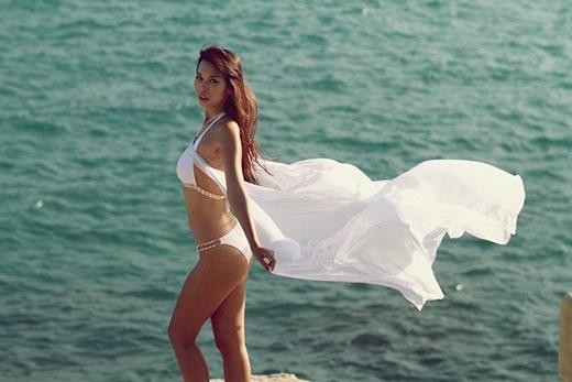 Những thân hình rực lửa khiến phái đẹp ghen tị khi diện bikini