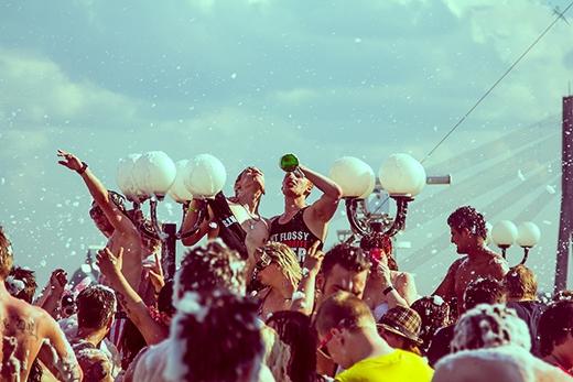 Tham gia những lễ hội ngoài trời
