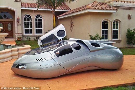 Theo Vetter, ông có thể thiết kế cho các xe tại Anh hay Nhật Bản – những quốc gia có thiết kế xe với tay lái phía phải.