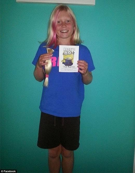 Một thành viên có tên Kim Parks – Hardman đã chia sẻ câu chuyện con gái của mình đã hiến tặng tóc cho những bệnh nhân bị mắc bệnh ung thư.