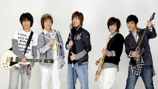 """Những nhóm nhạc """"một bước thành sao"""" hiếm hoi của Kpop"""