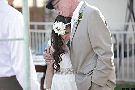 Ông bố Jim Metz mang căn bệnh ung thư quái ác trong người luôn có một ước muốn được khoác tay cô con gái Josie bước vào lễ đường để cùng chia sẻ cảm xúc hạnh phúc với con gái.