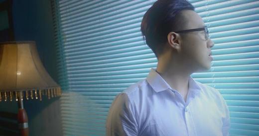 Nam ca sĩ Trung Quân Idol đang cực kì mong đợi MV mới tiếp theo của mình mang tênChưa bao giờ. Được biết, đây là MV được anh chàng cực chất Ứng Duy Kiên làm đạo diễn hình ảnh, và vì vậy mà các fans của thần mưa cũng rất chờ đợi MV tuyệt đẹp này.