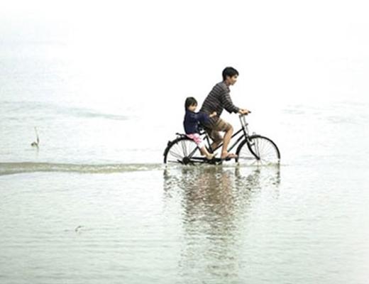 Dù mưa gió bão tố cũng đừng sợ vì đã có cha bên cạnh