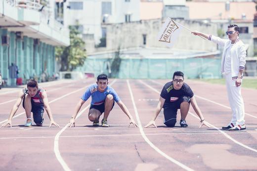 Đàm Vĩnh Hưng bắt thí sinh chạy bộ để đối đầu - Tin sao Viet - Tin tuc sao Viet - Scandal sao Viet - Tin tuc cua Sao - Tin cua Sao