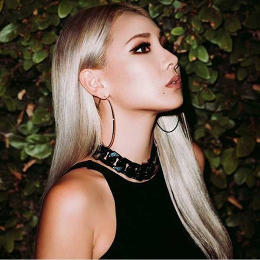 CL tiếp tục thể hiện phong cách riêng của mình qua hình ảnh quý phái trên tạp chí.