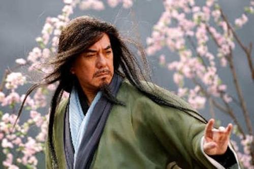 Thứ đáng sợ của Hoàng Dược Sư không chỉ bao gồm võ công, mà còn là trí tuệ hơn người ông sở hữu.