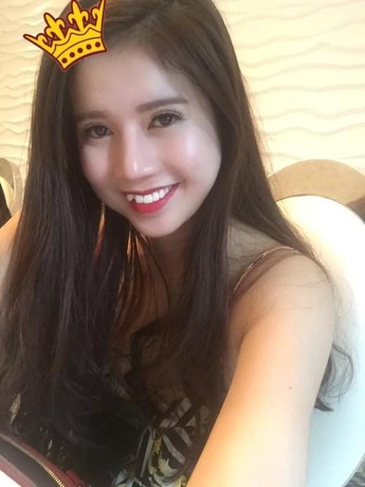 Vũ Ngọc Quỳnhsinh năm 1991, cô là nữ tiếp viên của hãng hàng không Vietjet Air.Ngọc Quỳnhtừ nhỏ đã mơ ước được trở thành tiếp viên hàng không nên cô đã luôn phấn đấu để ước mơ của mình trở thành sự thật.