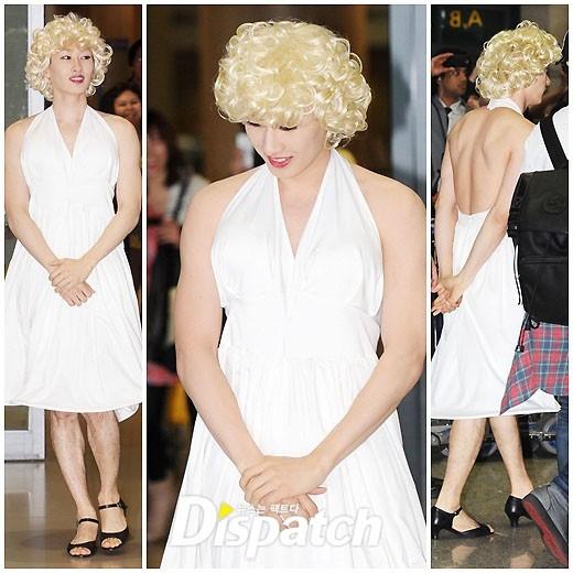 Dù bị nhận xét là thảm họa giả gái nhưng các chàng trai Super Junior không ngại làm xấu mình trong concert, thậm chí tại sân bay vì niềm vui của các fan.