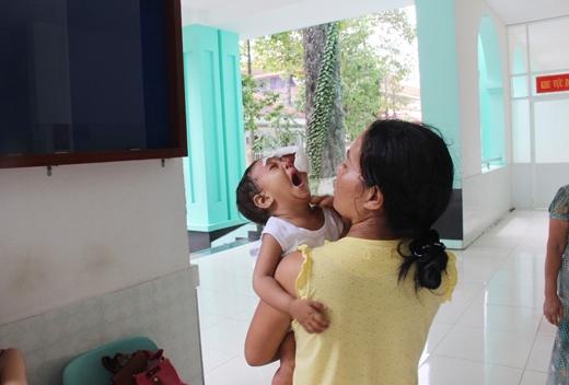 Hình ảnh xót xa của hai mẹ con chịK'Hền