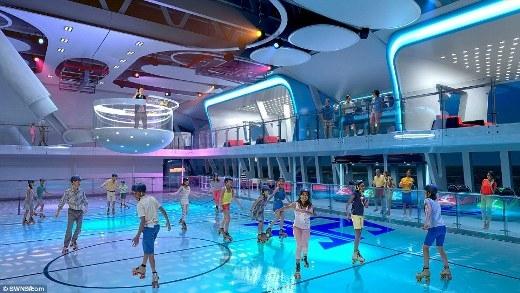 Quantum of the Seas cũng tự hào là con tàu đầu tiên sở hữu nhiều tiện ích phức hợp trên thuyền như sân trượt băng.